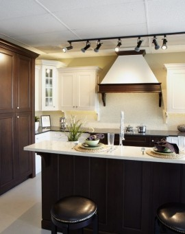 St-Martin-Cabinetry-Ridgewood-Sample-Kitchen-1-1024x683